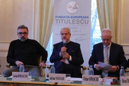 18.01.2018 - Dezbatere: Rolul Culturii în Aniversarea Centenarului De la stânga la dreapta: Lucian ROMAȘCANU, Adrian NĂSTASE, Victor OPASCHI