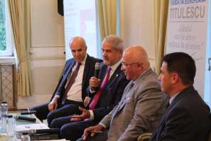 "29.08.2017 - Conferință: ""The role of Jordan in ensuring a secure and prosperous climate in the Middle East"" De la stânga la dreapta: E.S. Saker MALKAWI, Adrian NĂSTASE, E.S. Musa MAAYTAH, Flavius CABA-MARIA"