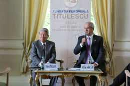 03.05.2017 - Conferință: The Current Situation of Japanese Politics and Economy De la stânga la dreapta: Hakuo YANAGISAWA, Adrian NĂSTASE